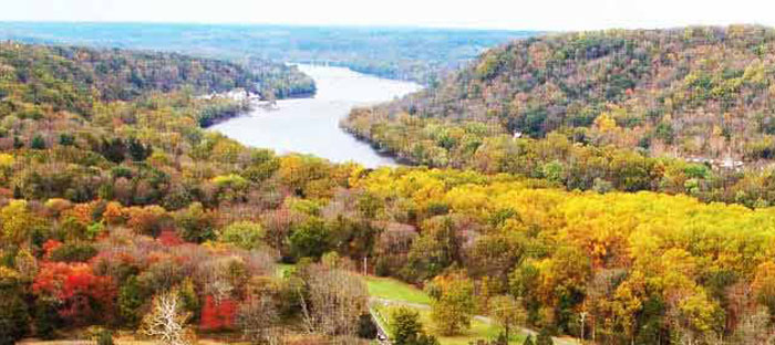 fall is a wonderful time to enjoy shopping, dining, and the wonderful sights in Hatboro, Montgomery County PA